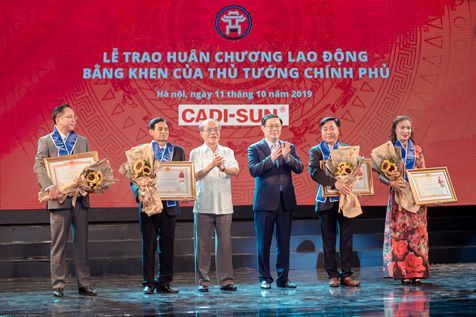 Entrepreneur Pham Luong Hoa – Chairman of Member Board / General Director of CADI-SUN was honored to receive the Second-Class Labour Medal from the State President